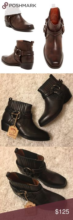 Diesel Square Toe Harless Ankle Boots 😍 These boots are gorgeous!  They are brand new without the box and have never been worn.  They are a darker shade of brown than the stock photo, they almost look black depending on the lighting.  They are currently on sale at Nordstrom for $200. UK size 38 (7.5-8 US). Diesel Shoes Ankle Boots & Booties