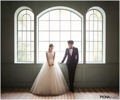 피오나스튜디오 2018년 '체리쉬' 웨딩앨범 공개 Wedding Photoshoot, Wedding Pictures, Korean Photoshoot, Wedding Picture Poses, Wedding Company, Photography Packaging, One Shoulder Wedding Dress, Portrait, Studio
