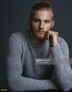 actor-alexander-ludwig-is-photographed-for-just-jared-on-august-4-in-picture-id454223888 (805×1024)