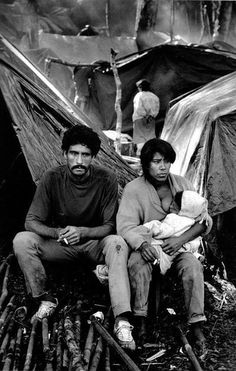 Landless peasants, Giacometti plantation, State of Paraná, Brazil. Documentary Photographers, Best Photographers, Magnum Photos, Fotojournalismus, Henri Cartier Bresson, Powerful Images, Photo B, Ansel Adams, People Of The World