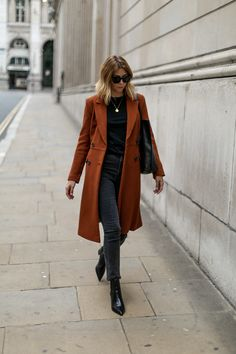 Debenhams conker brown tailored coat, black skinny jeans, black basic t-shirt, black croc ankle boots, chic winter outfit Winter Stil, Casual Winter, Winter Wear, Chic Winter Outfits, Fall Outfits, Black Skinnies, Maxi Blazer, Denim Fashion, Fashion Outfits