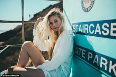 Scarlett Leithold: Meet the face of Brandy Melville Scarlett Leithold, Scarlett Rose, Beach Poses, Instagram Worthy, Strike A Pose, Looks Cool, Brandy Melville, Photo And Video, Beach Modeling
