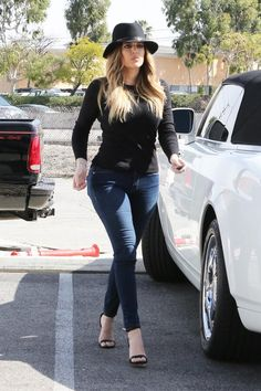 Khloe Kardashian Black sun hat  black long sleeve top Calabasas February 20 2014