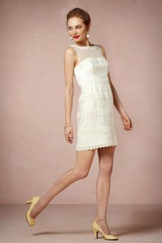 Kensington Dress :: pretty rings of lace circle the dress.  I like it with the yellow pumps.