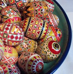 "Pysanky (Ukrainian Easter eggs) A note on pronunciation, despite what you may have heard on television, a supplier of pysanky tools or from an instructor in a local class, ""Pysanka"" is correctly pronounced ""Pih-sahn-kah""  with the plural ""Pih-sahn-kih"". All with short vowels.  The term ""pysanky"" is not, never was, nor will it ever be correctly pronounced ""pie-SAN-kee or pizz-an-ki"""