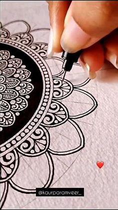 Mandala Doodle, Mandala Art Lesson, Mandala Artwork, Mandala Drawing, Mandala Painting, Doodle Art, Carillons Diy, Color Wheel Art, Flower Pattern Drawing