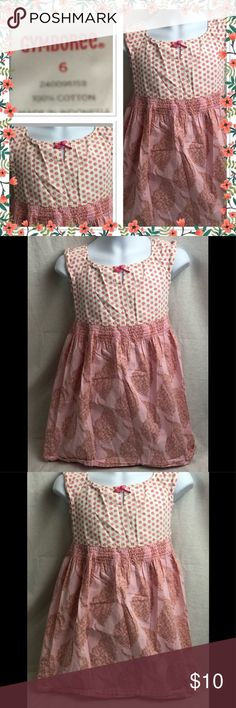 🌸Gymboree Adorable small Flowers dress size 6🌸 🌸Gymboree Adorable dress with elastic waist pretty small flowers then flows into another design Gently Used Condition can be worn as casual or dressy size 6🌸 Gymboree Dresses