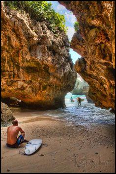 Bali-cave-surf-uluwatu-beach-680x1024.jpg 680×1,024 pixels