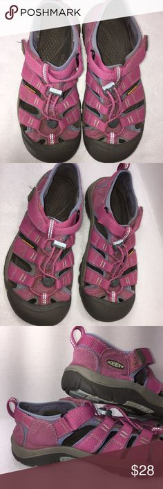 KEEN Newport Sz 4 Big Girls' Sandals Pink KEEN Newports in very good used condition. The waterproof straps are still crisp and nice. They could use a quick bath in the washing machine (they come out looking nearly new!) Big Girls Sz 4 Keen Shoes Sandals & Flip Flops