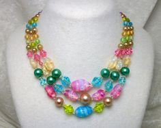 Tiered Necklace - Vintage 50s - Lovely glass beads and made in Japan