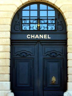 I would totally have these doors at the entrance of my dream luxury closet!