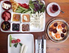Haftasonuna nefis ve ışıl ışıl  Boğaz manzarası ve organik köy kahvaltısı ile huzurlu bir başlangıç için #Koru'ya davetlisiniz  You are kindly invited to #Koru for a peaceful start to weekend with an organic village breakfast towards brilliant and sparkling Bosphorus!