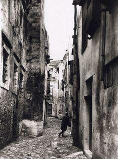80 ανεκτίμητες φωτογραφίες της Κρήτης 1911 - 1949 - zarpanews.gr Old Pictures, Old Photos, Vintage Photos, Tree Identification, Crete Island, Heraklion, Simple Photo, Crete Greece, Old Maps