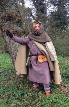 Man sets off on 'medieval' pilgrimage from Southampton to Canterbury http://www.bbc.com/news/uk-england-35108393?SThisFB
