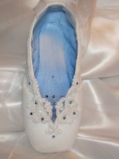 Truly stunning decorated pointe shoe by DesignsEnPointe on Etsy