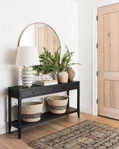 Home Living Room, Apartment Living, Living Room Decor, Bedroom Decor, Home Entrance Decor, Entryway Decor, Home Design, Home Interior Design