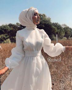Fashion Dresses Hijab Chic - Fashion Dresses Hijab Chic - So Source by tubasaiit Dresses hijab dresses hijab muslim couples the bride Muslimah Wedding Dress, Hijab Wedding Dresses, Prom Dresses, Lehenga Wedding, Dress Muslimah, Muslim Fashion, Modest Fashion, Fashion Dresses, Modern Hijab Fashion