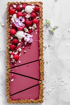 tart with crispy ground . raspberry tart with crispy ground . raspberry tart with crispy ground .raspberry tart with crispy ground . raspberry tart with crispy ground . raspberry tart with crispy ground . Easy Vanilla Cake Recipe, Easy Cake Recipes, Easy Desserts, Dessert Recipes, Salad Recipes, Vegan Recipes, Oreo Desserts, Dessert Food, Cheesecake Recipes