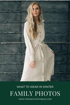 What to wear in your winter family photos. Ideas for winter family photo outfits! The Family Photo Blog