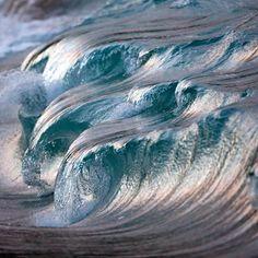 Wave Photo #2103 by Pierre Carreau