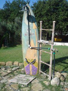 surfplank als buitendouche.