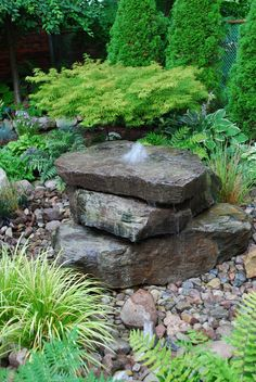 Creative DIY Inspirations Water Fountains In Backyard Garden - Backyard Garden Inspiration Stone Water Features, Outdoor Water Features, Water Features In The Garden, Backyard Water Fountains, Backyard Water Feature, Outdoor Fountains, Backyard Ponds, Diy Garden Fountains, Modern Backyard