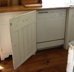 LOVE the old country kitchen with hidden modern secrets. The Country Farm Home: My Kitchen's Hidden Secrets - Amazing House Design Farm Kitchen Ideas, Kitchen Redo, Smart Kitchen, Kitchen Cabinets, Kitchen Makeovers, 1930s Kitchen, Kitchen Pantries, Kitchen Layouts, Kitchen Walls