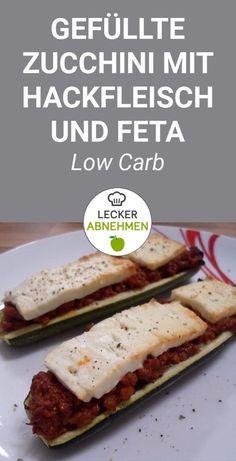 Gefüllte Zucchini mit Hackfleisch und Feta - ein köstlich würziges Low Carb Rezept.