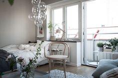 gravityhome: Soft coloured studio apartment...