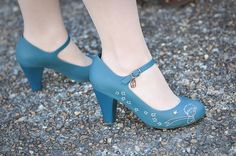 The only picture I've found that shows how pretty the blue color is.  I would wear these shoes everyday.