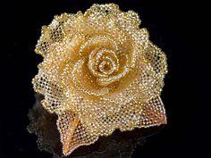 玉虫トパーズの薔薇ビーズコサージュ  #カザリ咲色 #ビーズ #ビーズフラワー #ビジュー #ハンドメイド #コサージュ #手作り #手芸 #アクセサリー #bead #beads #bijou #beading #beadedflower #beadswork #beadwork #beadsph #bijoux #beaded #biser #corsage #rose #handmade