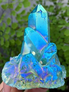 71g Light Blue Aura Quartz Crystal Titanium Bismuth Silicon Cluster Rainbows871