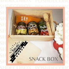 """7 Me gusta, 0 comentarios - PoshDecoBox (@poshdecobox) en Instagram: """"Para alegrar cualquier momento del día, un Snack Box. Buenos días!!! #snackbox #sorpresabogota…"""" Snack, Magazine Rack, Cabinet, Storage, Kitchen, Furniture, Instagram, Home Decor, Bom Dia"""