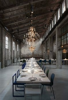 Carlo e Camilla, Milan / Best new restaurant Design Awards 2015 / Wallpaper* Magazine Restaurant Design, Hotel Restaurant, Restaurant Manager, Decoration Restaurant, Restaurant Ideas, Industrial House, Industrial Chic, Vintage Industrial, Industrial Wedding