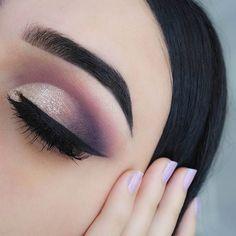 Pretty Smokey Eye Makeup Idea for Brown Eyes #HairstylesForWomenEyeMakeup