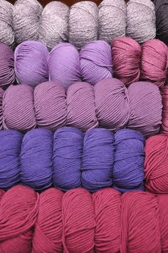 Lovely Berries 💜 #violett #purple #violet Shops, Merino Wool Blanket, Bunt, Berries, Colour, Purple, Happy, Threading, Breien