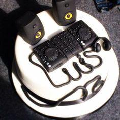 dj mixer birthday cake Hledat Googlem mixk Pinterest Mixers