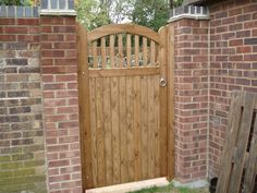 Bespoke wooden gates, wooden gate design & timber gate - Poole, Dorset