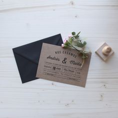 Invitación de boda Kraft HANOI Summer Of Love, Place Cards, Place Card Holders, Couple, Kraft Wedding Invitations, Wedding Stationery, The Originals