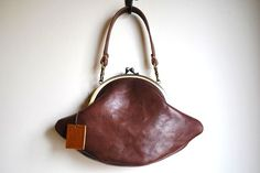 Romantic leather purse by Goichi (上田知世子)