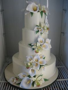 cascading cala lillies cake by Simon Lee