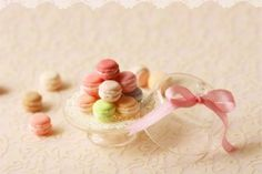 Tiny miniature macarons by miniaturepatisserie.