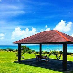 【mm_515_mmm】さんのInstagramをピンしています。 《𓇼 . . また1週間の始まり☀ . . 今週はがんばるよー✈️🌴💙 . #bluesky #blue #ocean #sea #sun #shiny #skylovers #beautifulplaces #good #fun #island #okinawa #japan #カコソラ #青い空 #海 #離島 #ハンモック #夏旅 #石垣島 #🏝》