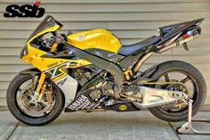 World's Baddest 2006 Yamaha from Ian Judd Yamaha R1 2006, Yamaha Yzf R1, Custom Street Bikes, Custom Sport Bikes, Motogp Valentino Rossi, Yamaha Motorcycles, Supersport, Suzuki Gsx, Sportbikes