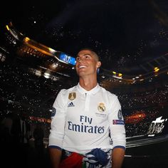 Best Perform Cristiano Ronaldo ever . Ronaldo Real Madrid, Real Madrid Team, Real Madrid Players, Cristiano Ronaldo 7, Messi, Fotos Real Madrid, Real Madrid Captain, Portugal National Football Team, Santiago Bernabeu