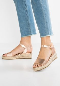 RAINA - Sandalen met plateauzool - rose gold