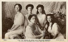 The Czarina of Russia Alexandra with her four daughters: The Grand Dutchesses Olga, Tatiana, Maria and Anastasia.