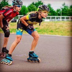 Feliz domingo ♥️!! 📸 @haanicz__ .  #amazingbontskates #bontskates #lighterstrongerfaster #bont #bontjet #inlinespeedskating #speedskatinginline #patinajedevelocidad #redmagicwheels #bemagic #jesaswiss Speed Skates, Running Shoes, Racing, Domingo, Photos Tumblr, Runing Shoes
