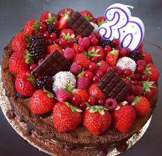 Cokobanan ❤️. #ivetraw #picoftheday #trencin #birthdaycake #happy #raw #rawfood #food #foodporn #cake #dessert #love #health #healthyeating #fruit #summer #avocado #banana #sugarfree #glutenfree #vegan #veganism #fitness #dreamjob #my #chocolate #yummy