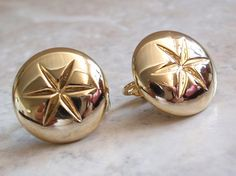 Gold Button Earrings Round Star Clip On Vintage V0857